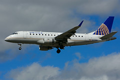 N654RW (United Express - Republic Airlines) (Steelhead 2010) Tags: unitedexpress unitedairlines republicairlines embraer emb170 yyz nreg n654rw