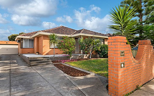 45 Tunaley Pde, Reservoir VIC 3073