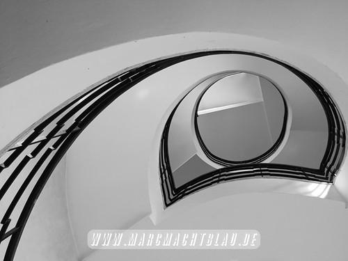 "www.marcmachtblau.de1 • <a style=""font-size:0.8em;"" href=""http://www.flickr.com/photos/142542829@N07/44664039364/"" target=""_blank"">View on Flickr</a>"