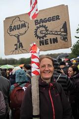 Hambi_Waldspaziergang_Hambacher_Wald_23-09-18_06 (campact) Tags: laschet nrw hambi wald braunkohle campact coal energie hambacherwald forst germany klima klimaschutz protest wirtschaft climatechange waldspaziergang