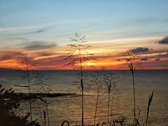 Sunset in Simplicity (Robert Cowlishaw (Mertonian)) Tags: deeply canonpowershotg1xmarkiii markiii g1x powershot canon robertcowlishaw mertonian forwisdommyconstantcompanion beauty beautiful gratitude awe ineffable beach ocean dusk sunset hawaii maui2018