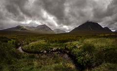 glencoe region 3a explored (Bilderschreiber) Tags: glencoe highlands scotland schottland hochmoor moor mountains clouds wolken berge uk unitedkingdom weitwinkel fisheye wideangle