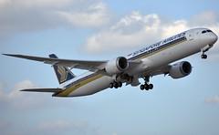 Singapore Airlines Boeing 787-10 Dreamliner (zfwaviation) Tags: kftw fort worth texas meacham international airplane plane aircraft b78x b787 787 78710 dreamliner boe002 boeing n565zc singapore sia 9vscg