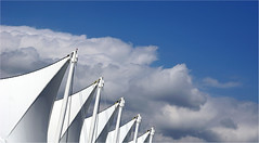 the sails (leuntje) Tags: vancouver britishcolumbia bc canada canadaplace cruiseshipterminal landmark architecture eberhardzeidler mcmp daarchitects sails