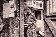 Série de Photos d'un atelier Artisanat à Montreuil, France (johann walter bantz) Tags: blackdiamond documentaryphotography working montreuil banlieueparisienne 93 documentaire reportage xpro2 fujifilm bbc bw monochrome atelier artisan femmedeménage
