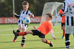 """HBC Voetbal • <a style=""""font-size:0.8em;"""" href=""""http://www.flickr.com/photos/151401055@N04/45728071991/"""" target=""""_blank"""">View on Flickr</a>"""