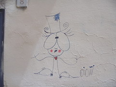 1019 (en-ri) Tags: oioiii ragazza girl nero rosso blu firenze wall muro graffiti writing