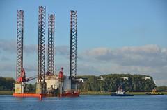 Seafox 2, Fairplay 1 , Fairplay 3 en RPA 12 (Hugo Sluimer) Tags: hetscheur scheur waterweg portofrotterdam port haven onzehaven nlrtm zuidholland holland nederland