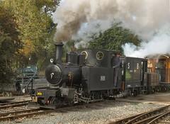 Accelerating away from Oak Tree Halt (WelshHatter2000) Tags: statfoldbarnrailway hunslet 460t 303 wardepartment 1916 1215 worldwarone narrowgauge steam locomotive gala