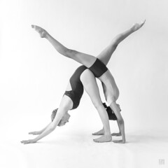 Figure X - Shene & _Motto_ 1 (lycheng99) Tags: shene motto thedancephotographyworkshop shizzy3 dance posing form x figurex moderndance sanfrancisco fitness handstand cross xpose