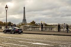 Porsche 911 Carrera Turbo in Paris (RobertoHerreroT) Tags: porsche paris francia france parigi robertoherrerotardon eiffeltower torreeiffeltoureiffel monument monumento car seine sena