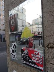 reflection (Jeanne Menjoulet) Tags: rueoberkampf paris miroir reflet rue fédérationanarchiste pasdequartier fascistes