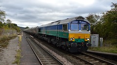66711 enters Bamford with the 4H03 Bletchley to Peak Forest, 3rd Oct 2018. (Dave Wragg) Tags: 66711 class66 gbrf bamford 4h03 hopevalleyline loco locomotive railway