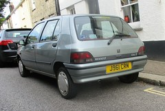 One Owner 1992 Renault Clio RT (occama) Tags: j961crm renault clio 1992 rt old car cornwall uk silver french