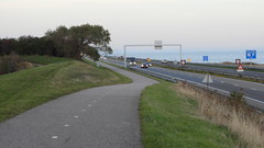 DSCN8823 (DutchRoadMovies) Tags: stevinsluizen afsluitdijk den oever a7 rijksweg ijsselmeer waddenzee bridge lake freeway motorway water sea locks