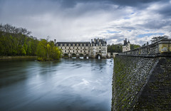 Au fil de l'eau et du temps. (Of Gass) Tags: hd hight castle chateaux de definition france histoire history hitoric la loire nikkor nikon