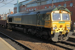 66547 6Y30 (Rob390029) Tags: freightliner class 66 66547 newcastle central station ncl
