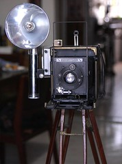 Anniversary Speed Graphic (1942) (orzalana69) Tags: anniversaryspeedgraphic speed graphic wartime press camera war time large format folmer schwing wooden tripod