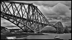 Forth Rail Bridge (pileath) Tags: forth rail bridge pont ferroviaire de bw noir et blanc métalliques poutrelles metal beams