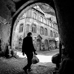 Kühler Brunnen (ZaglFoto.de) Tags: de deutschland fotowalk halle hallesaale sachsenanhalt bnw bnwhallesaale bnwstreet bnwstreetphoto bnwstreetphotographer bnwstreetphotography stadtlandschaft street streetphoto streetphotographer streetphotography urban