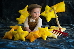 """La Luna"" (thinduck42) Tags: portrait laluna pixar animation movie grandson reenact stars child toddler sony a7iii 85mm f1 sony85mmf18 family costume naturallight"