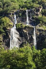Cascate dell'Acqua Fraggia (cesco.pb) Tags: valchiavenna cascata acquafraggia valtellina lombardia lombardy italia italy alps alpi montagna mountains canon canoneos60d tamronsp1750mmf28xrdiiivcld