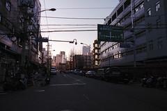 Evening Vibes (OzGFK) Tags: 35mm asia korea nikkor nikon seoul analog film sunset market fujisuperia400 fujis400 fujifilm