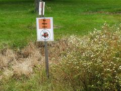 no mow zone (timp37) Tags: october 2018 sign lake katherine illinois no mow zone palos