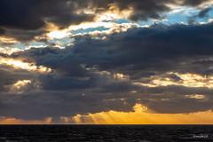 Aberystwyth_7753 (RiendH2O) Tags: baiedecardigan cardiganbay wales paysdegalles aberystwyth mer sea coucherdesoleil sunset nuages clouds
