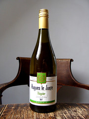 Hughes Le Juste Viognier (knightbefore_99) Tags: wine vin vino white blanc blanco bottle booze tasty grapr french france good viognier hughes lejuste art organic oc 2017