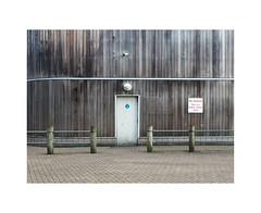 wheel clamp area (chrisinplymouth) Tags: wall wooden bollard chain fence wheelclamping noparking door entrance plymouth devon england uk city cw69x wb xg 2017