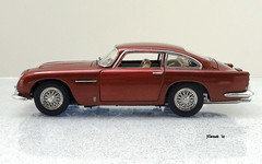 1964 Aston Martin DB5 Coupe (JCarnutz) Tags: 124scale diecast danburymint 1964 astonmartin db5