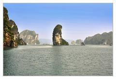Quảng Ninh VN - Hạ Long Bay Thumb island 02 (Daniel Mennerich) Tags: hạlongbay limestone karsts vietnam canon dslr eos hdr hdri spiegelreflexkamera slr