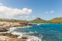 Cala Agulla (hrolapp) Tags: berge bucht fels felsen himmel himmelblau mallorca meer sonne strand urlaub wasser wolken capdepera balearischeinseln spanien es