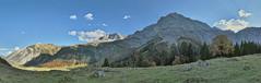 Hint' am Ahornboden (Claude@Munich) Tags: austria tyrol vomp alps karwendel bärenwand bärenwandkopf lamsenspitze barthspitze hochglück eiskarlspitze eiskarspitze spritzkarspitze plattenspitze grubenkarspitze mountain eng engalpe hinterriss bigmapleplain alpineparkkarwendel alp pasture plain panorama claudemunich österreich tirol alpen ostalpen nördlichekalkalpen hinterautalvomperkette berge groserahornboden ahornboden tal alm