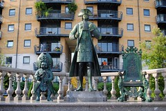 Peter The Great (zawtowers) Tags: jubilee greenway section 7 seven greenwichtotowerbridge saturday 13th october 2018 amble stroll walk walking exploring london suburbs riverthames path following urban exploration warm sunny dry blue skies peter the great statue dwarf throne gift russia studying here