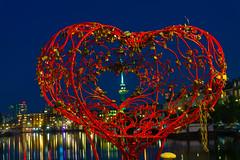 Lock of Love, Delfsaven (Yanis Mathiopoulos) Tags: lock love delfshaven rotterdam euromast heart