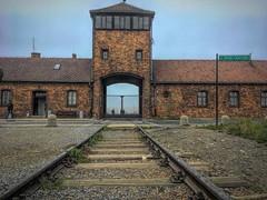 Puerta a la sinrazón (Nikar1) Tags: horror auschwiitz polonia viaje