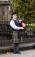 Bagpiper in Edinburgh (p.mathias) Tags: bagpipe bagpipes scotland edinburgh royal mile piper scottish music kilt sunny united kingdom europe