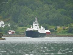 """Tomma"" (OlafHorsevik) Tags: ferge ferga ferry ferja ferje tomma vikholmen boreal"