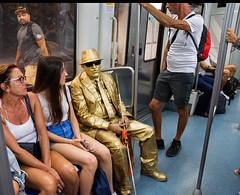"The new Jaymus Bunda film, ""The Man With The Golden Paint Can "" (Bob (sideshow015)) Tags: bond james film movie metro subway people monde barcelona spain nikon sigma fun drole"