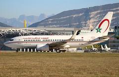 Royal Air Maroc AT931. CN-RNL. Boeing 737-7B6. GVA. (Themarcogoon49) Tags: ram boeing b737 aircraft planespotting gva lsgg cointrin airport switzerland mountains avgeek avion aviation
