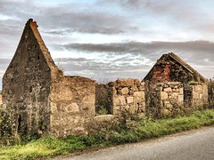 Abandoned Buildings - Aberdeen Scotland - 28/9/18 (DanoAberdeen) Tags: middlemuir danoaberdeen 2018 aberdeen grampian abandoned neglect neglected weathered ruins ruined old ancient forgotten candid amateur building architecture rusty crusty clouds blue sky farmhouse countryside