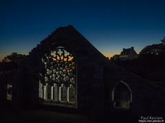 dans les ruines de la chapelle de Languidou (Toilapol) Tags: crépuscule finistere bzh soir bretagne bigouden eglise architecture