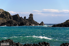 The #Neck at #Acitrezza #Catania #Sicilia #Italia . (rossolavico) Tags: europa europe italia italy italien sicilia sicily sizilien catania katane acicastello acicastle squatritomassimilianosalvatore rossolavico mare sea marionio ioniansea lavacoast castellodilava castle castello cielo sky nuvole clouds maltempo seastorm mareggiate marenostrum nikon nikond3100 filerawnef filerawnefconversionjpeg fileraw viewnx2users acitrezza ifaraglioni polifemo mitologia imalavoglia giovanniverga cyclops mitologicalsite flickrsicilia
