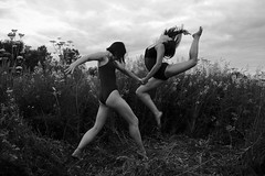 Тоави периода {14} (dewframe) Tags: bw blackandwhite blackwhite girls bodylanguage dance feelings