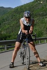 Mountain ride (MHikeBike) Tags: menschen portrait personen frau mann man woman biker radfahrer sportler
