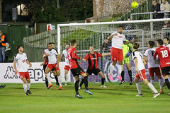 Lewes 2 Kings Langley 1 FAC replay 26 09 2018-473.jpg (jamesboyes) Tags: lewes kingslangley football nonleague soccer fussball calcio voetbal amateur facup tackle pitch canon 70d dslr