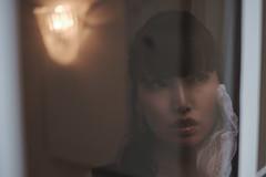 window (HarQ Photography) Tags: fujifilm fujifilmxseries xt2 xf35mmf14r portrait window