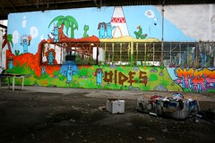 Street Art, port de commerce de Kergroise à Lorient (Bretagne, Morbihan, France) (bobroy20) Tags: lorient bretagne morbihan streetart urbain ville city art artiste oeuvre graffiti
